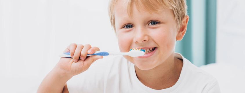 Buenos hábitos de cepillado en niños